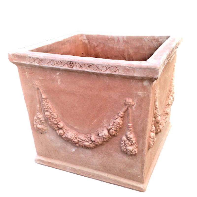 Vaso quadrato in terracotta con festone lavorato a mano Cm. 50