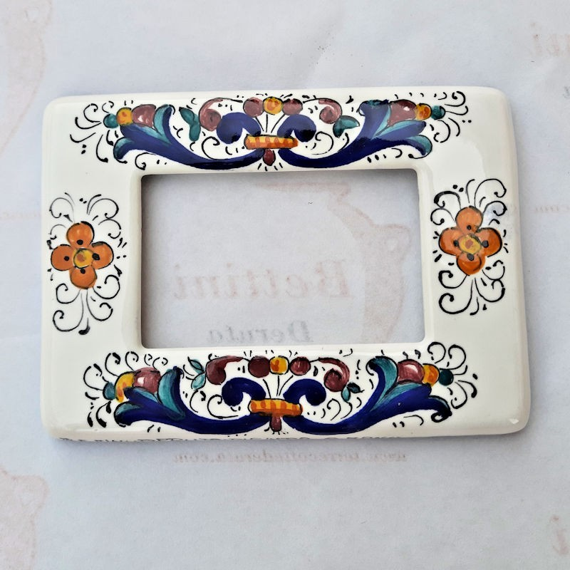 Placca coprinterruttori ceramica maiolica Deruta dipinta a mano decoro ricco Deruta Blu F compatibile matix