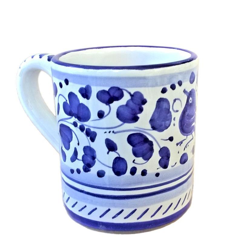 Bicchiere tazza ceramica maiolica Deruta dipinto a mano decoro Arabesco Blu