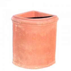 Smooth angular vase in...