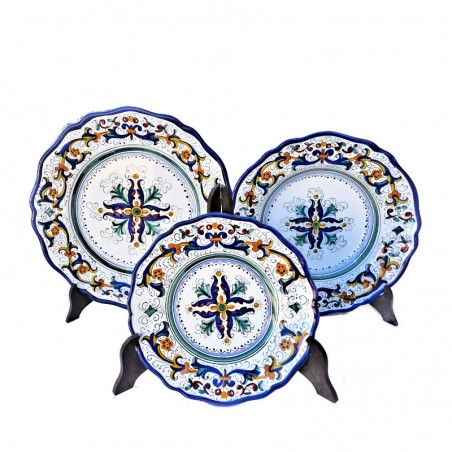 Servizio piatti tavola ceramica maiolica Deruta dipinto a mano decoro ricco Deruta blu centrino sagomato