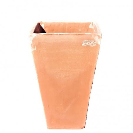 Vaso quadrato alto liscio in terracotta lavorato a mano