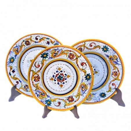 Servizio piatti tavola ceramica maiolica Deruta dipinto a mano decoro Raffaellesco centrino